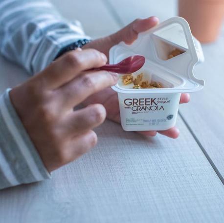 Heavenly Blush Greek Yogurt Cup Granola, sumber instagram @heavenlyblushyogurt